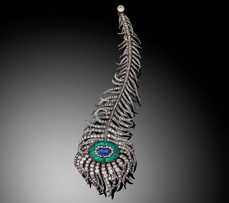 The-Peacock-Feather-necklace-(detatchable-brooch),-by-Boucheron