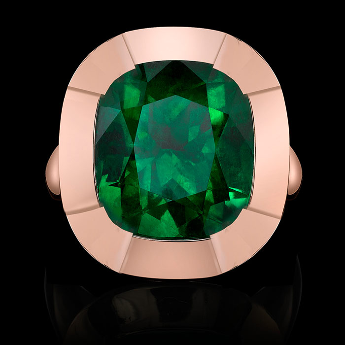 Emerald-and-Gold-Ring-by-Robert-Procop